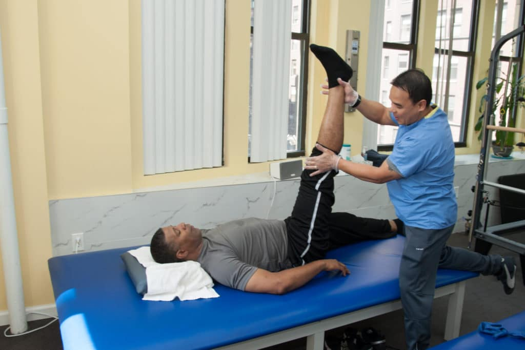 nfl star doing physical therapy